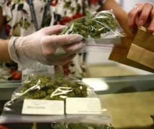 foto: Autorizaron a un padre a darle aceite de marihuana a niña de 3 años