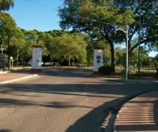 foto: Patota agredió a piedrazos a un adolescente cerca del Parque Mitre