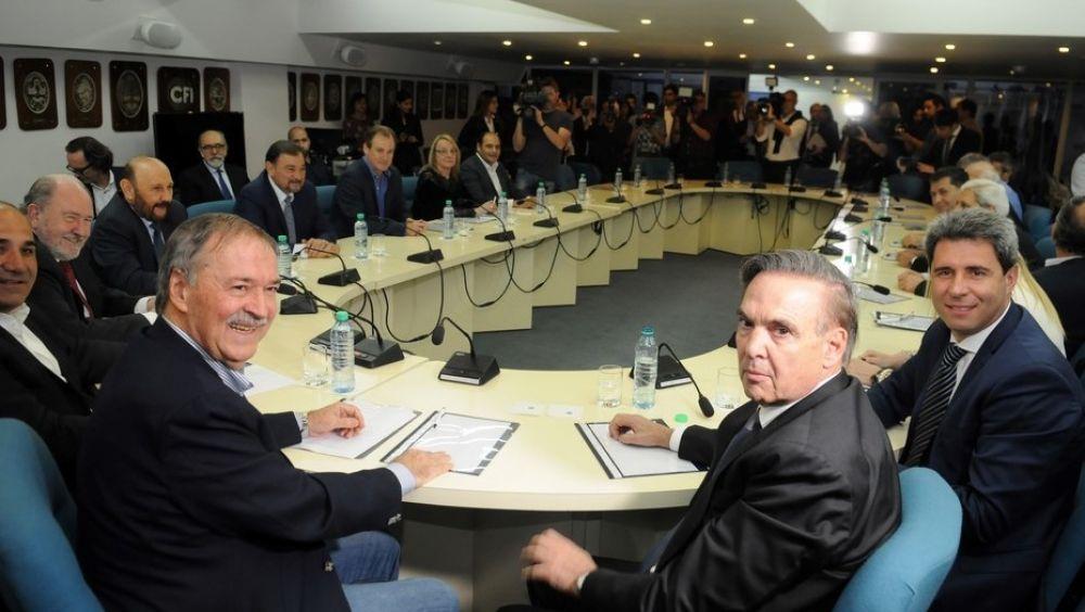 foto: Pacto Fiscal: Gobernadores definirán la contraoferta de Macri
