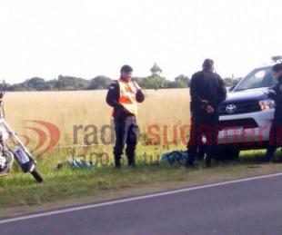 foto: Un hombre falleció tras perder el control de la moto y derrapar