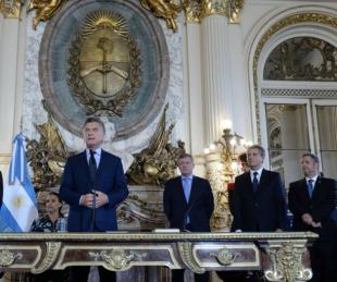 foto: Macri tomó juramento a los ministros Etchevehere y Rubinstein