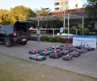 foto: Incautaron casi 500 kilos de droga ocultos en una camioneta
