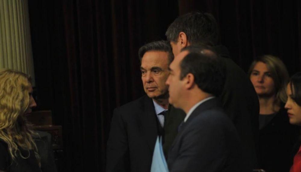 foto: Aborto legal: cruce entre Pichetto y un senador de su bloque