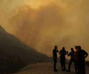 foto: VIDEO: Un voraz incendio tiene en alerta a Mendoza