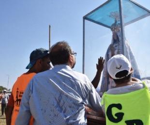 foto: Tassano acompañó a los jóvenes peregrinos que van a Itatí