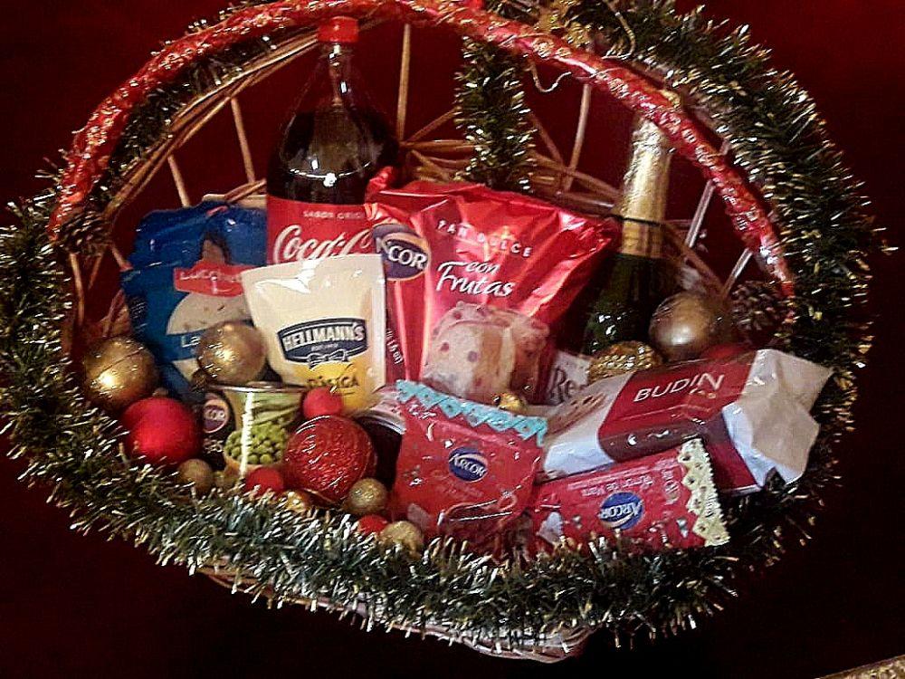 foto: Lanzan canasta navideña local con 10 productos a 299 pesos
