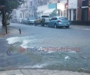 foto: Intensas lluvias causaron anegamientos de calles en la ciudad