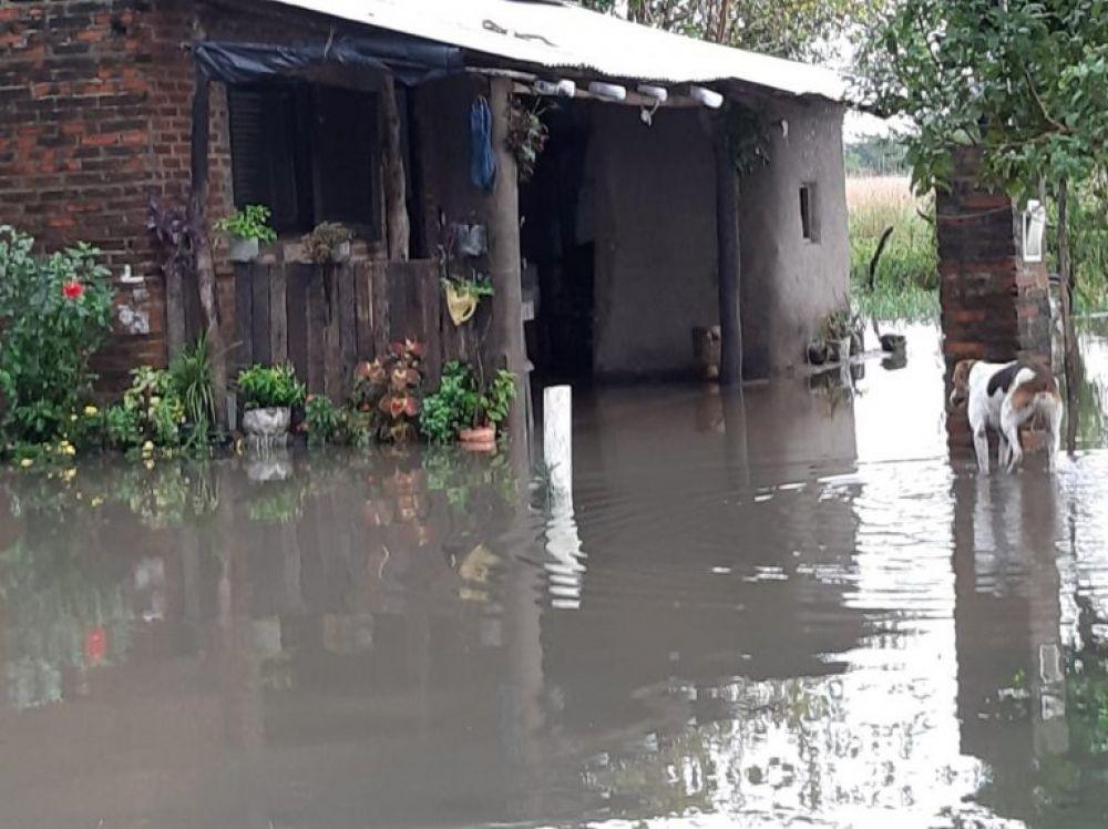 foto: Provincia asiste a las familias afectadas por las lluvias en Itatí