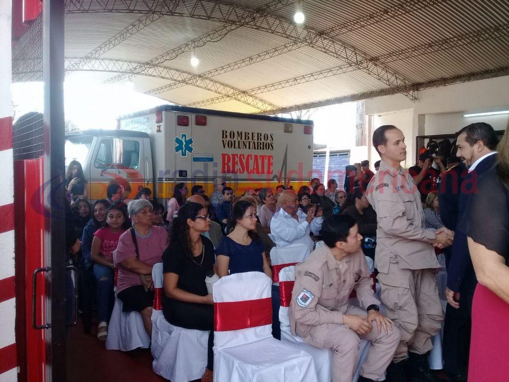 foto: Homenajearon a Bomberos Voluntarios y sumaron agentes