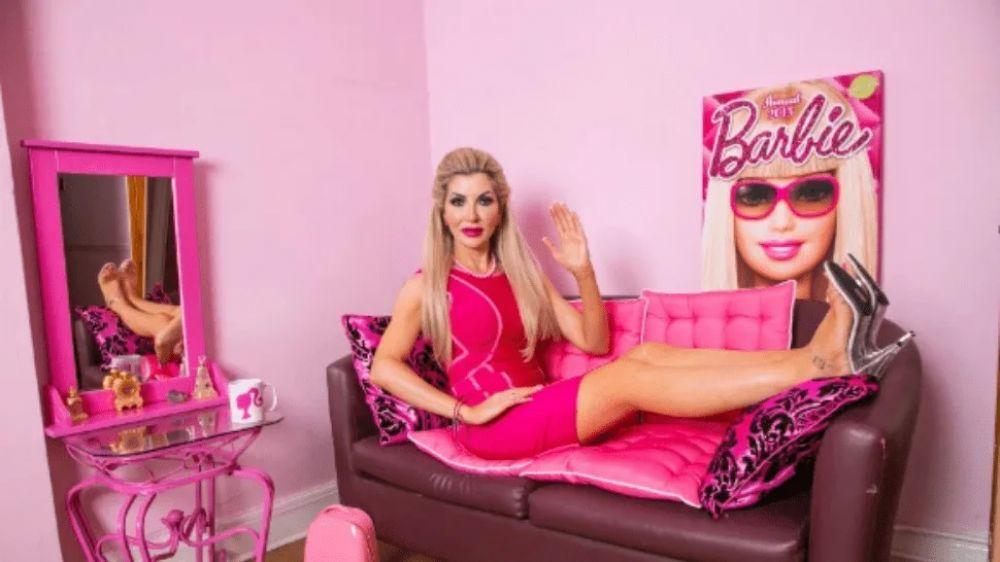 foto: Mujer gastó casi dos millones de pesos para parecerse a Barbie