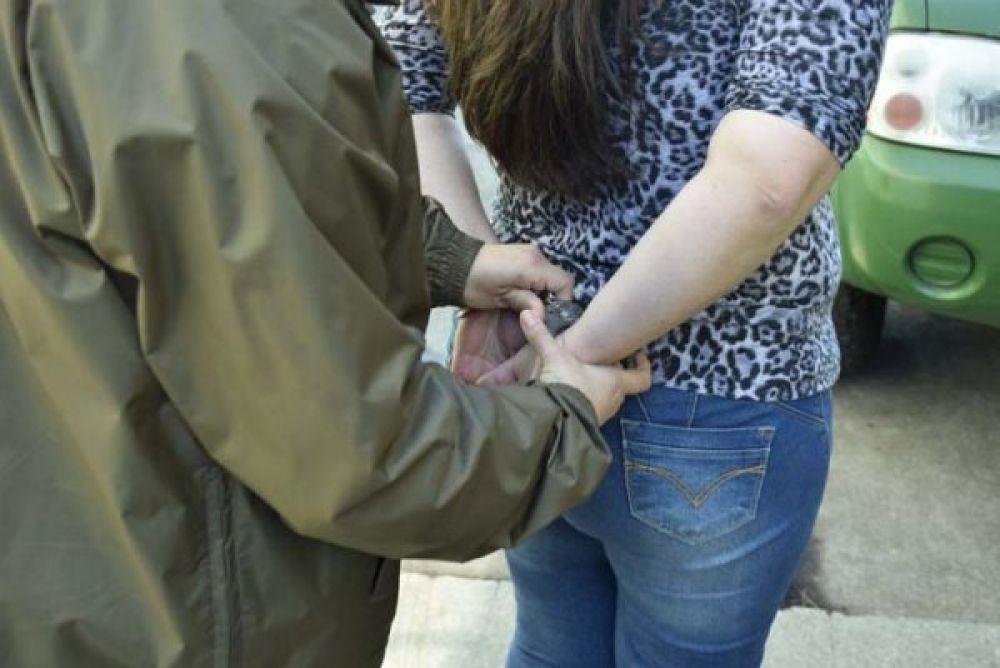 foto: Hermanas mecheras detenidas robando en un súper chino
