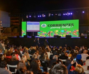 foto: Multitudinaria convocatoria en la conferencia de López Rosetti