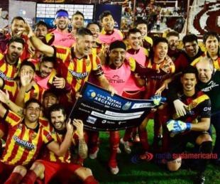 foto: Así fue el festejo de los correntinos tras eliminar a Racing de la Copa
