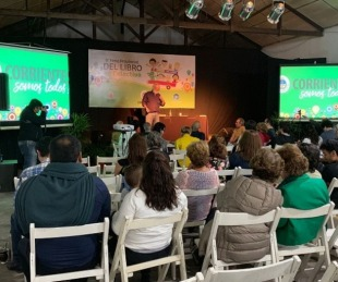 foto: En 10 días más de 50 mil personas visitaron la Feria del Libro