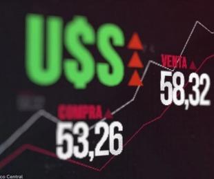 foto: Dólar hoy: tras el lunes negro, la divisa cerró a $58,30