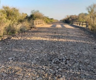 foto: Arrancó el enripiado de la RP Nº 25, acceso a El Chañar