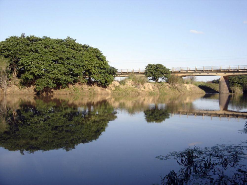 foto: Buscan a un hombre que se metió al río Aguapey y desapareció