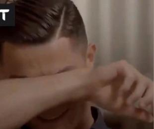 foto: Ronaldo rompió en llanto al ver imágenes inéditas de su difunto padre
