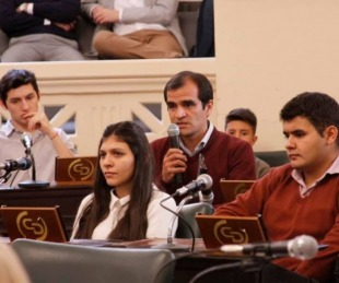 foto: Diputados aprobó diversos proyectos y distinguió a estudiantes