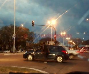 foto: Chocaron dos automovilistas, sólo hubo daños materiales