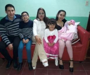 foto: Operaron a su hija y ahora le deben U$S278 mil a la obra social