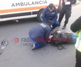 foto: Motociclista fue hospitalizado tras colisionar con una camioneta