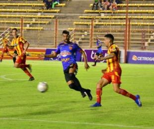 foto: Boca Unidos visita a Sportivo Las Parejas