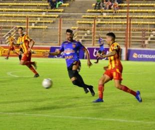 foto: Boca Unidos visita esta noche a Sportivo Las Parejas en Santa Fe
