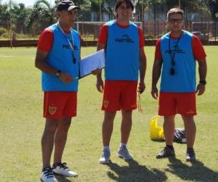 foto: Roberto Marioni asumió como técnico interino de Boca Unidos