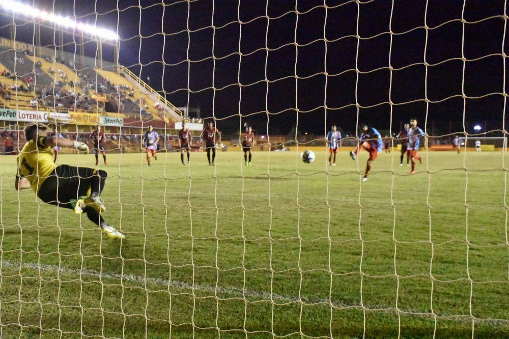 Por distracciones defensivas, Boca Unidos cerró el año con derrota