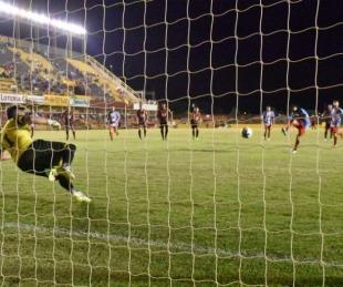 foto: Por distracciones defensivas, Boca Unidos cerró el año con derrota