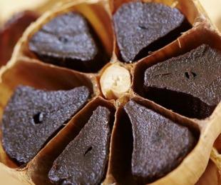 foto: Anmat prohibió la comercialización de un ajo negro japonés