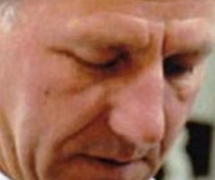 foto: Mató al cura que abusó de él: le clavó un crucifijo en la garganta