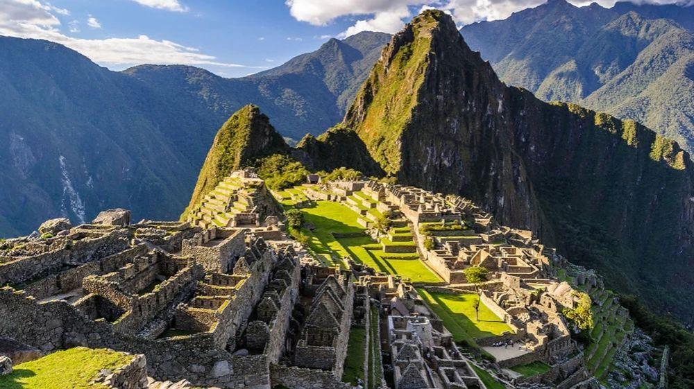 Detuvieron a turistas argentinos por dañar y defecar en Machu Picchu