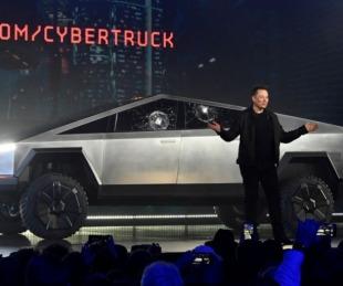 foto: Lanzan réplica de la Tesla Cybertruck con las ventanas
