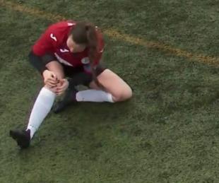 foto: Se dislocó la rodilla, se la acomodó a los golpes y siguió jugando