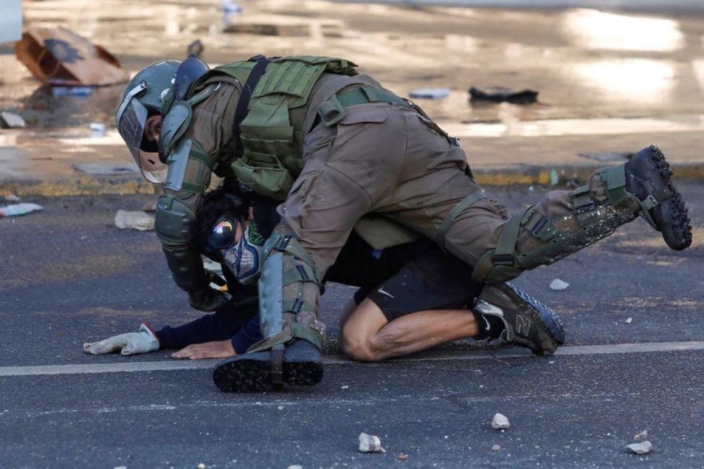 foto: Festival de Viña del Mar: Un hotel atacado y 20 policías heridos