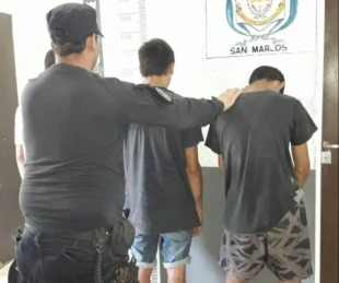 foto: Querían vender un rifle y una pala robados a la madrugada