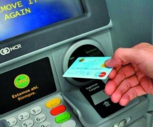 foto: Bancos: Así será la atención desde el 13 al 17 de abril