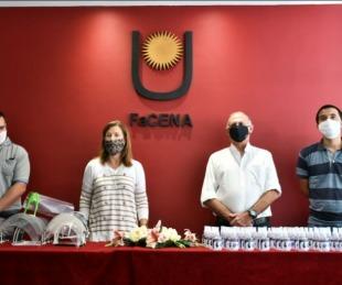 foto: UNNE entregó mascarillas y desinfectante a la provincia