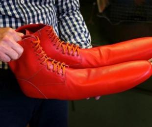 foto: Los zapatos antivirus para cumplir con el distanciamiento