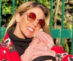 foto: Virginia Gallardo le respondió al verdulero que la criticó por tener a su hija a upa