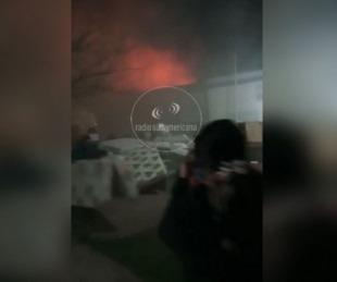 foto: Perugorria: Dotaciones de bomberos combatieron feroz incendio