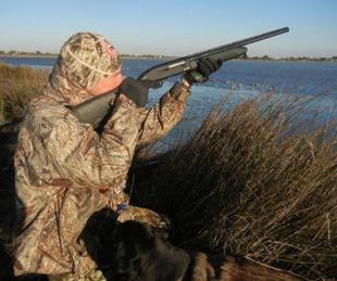 foto: Habilitan caza de plumas y se suma a la de animales exóticos