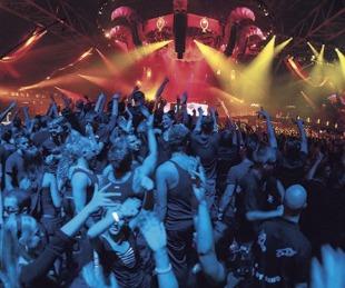 foto: Demoraron a 35 personas en una fiesta electrónica en Rosario