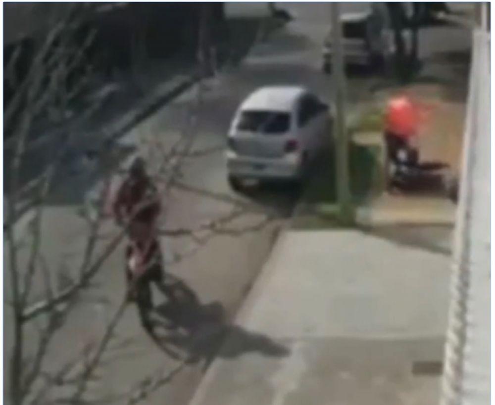 Atropellaron con un camión a motochorros y salvaron a una mujer