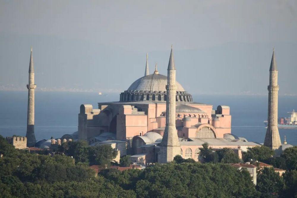 Francisco criticó la reconversión de Santa Sofía en mezquita