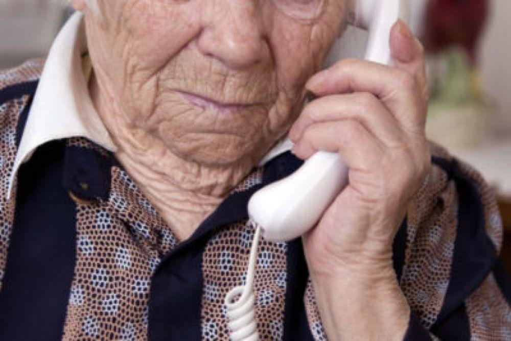 Salud sigue asistiendo a los adultos mayores a través del Call Center