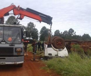 foto: Tragedia: camionero volcó y murió aplastado cerca de Colonia Liebig