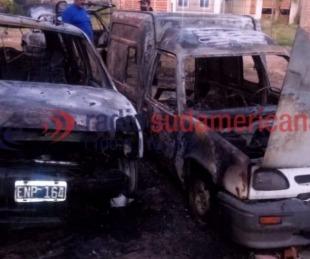 foto: Quemacoches: así quedaron los autos incendiados en un taller mecánico